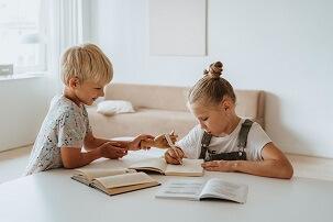 تشویق کودکان یک راهکار عالی در دست والدین